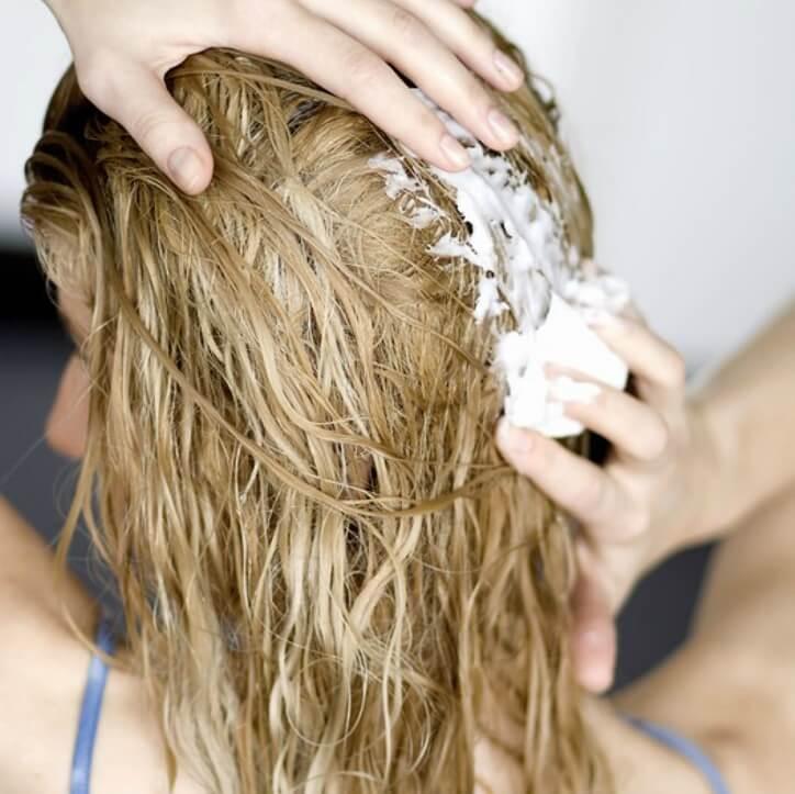 Łupież pstry – przyczyny powstawania i metody leczenia