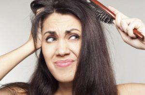 Jak znaleźć dobry szampon na łupież pstry?
